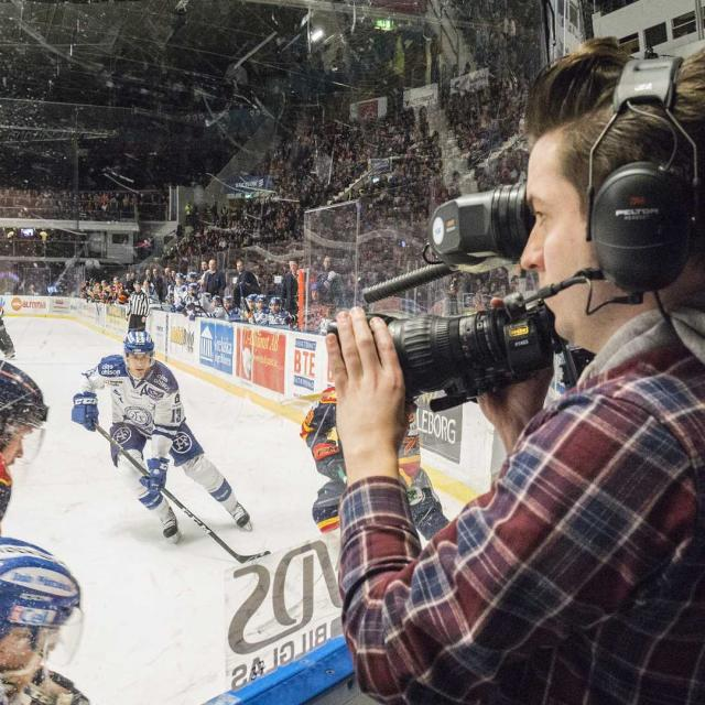 """Jesper """"Lill-Mora"""" Eliasson är idag en av Sveriges vassaste sportfotografer. Foto: Björn Egertz."""